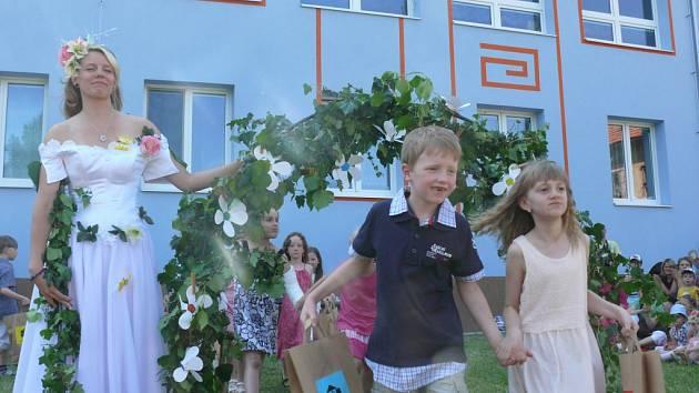 Budoucí školáci se loučili s mateřskou školou v Zahradní ulici.
