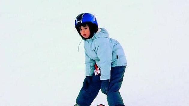 BEZPEČNOST PŘEDEVŠÍM. V zájmu všech lyžařských instruktorů je v první řadě hlavně ochrana žáků před úrazy.
