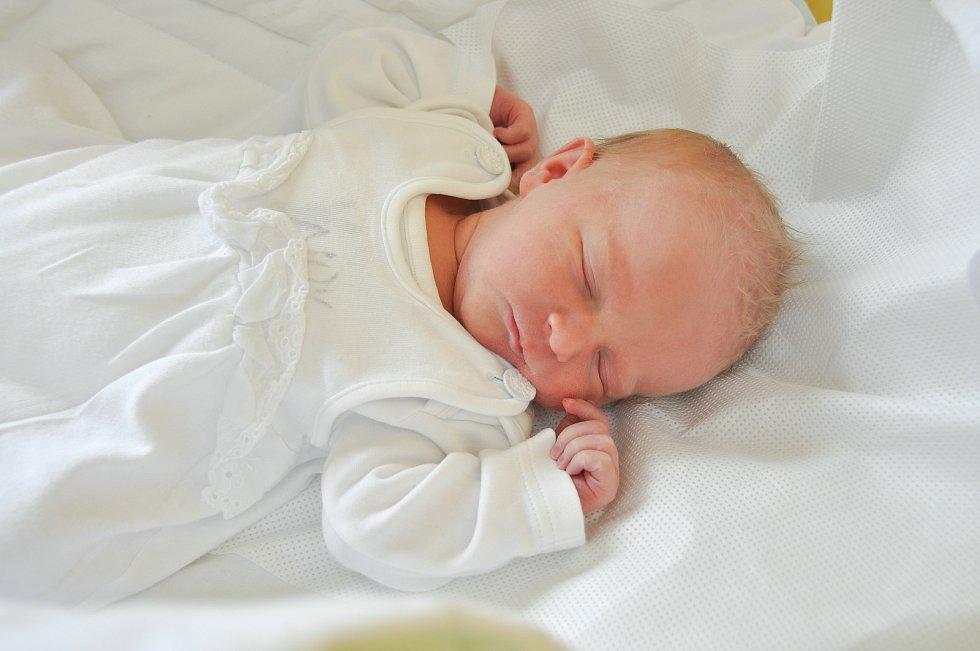MARKÉTA VOJTÍŠKOVÁ, VLACHOVO BŘEZÍ. Narodila se 7.7. ve 14.08 hodin. Vážila 2970 gramů. Má sestřičku Zuzanku (2 roky). Rodiče: Petr a Olga.