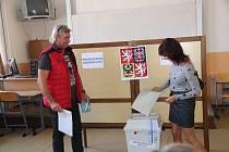 Volební okrsek č. 4 v prachatickém Gymnáziu.