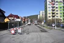 Opravy ve vimperské ulici 1. máje začaly.