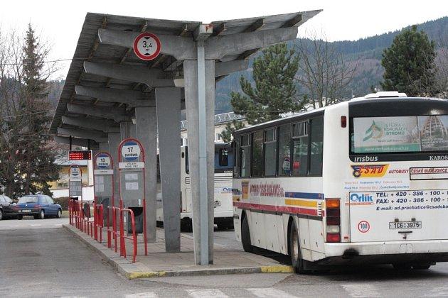 Autobusové nádraží v Prachaticích, ilustrační foto.