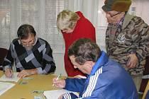 Od prvního ledna se vyplácejí dávky státní sociální podpory už jen na úřadech práce. Pod ně přešla většina úředníků, kteří tuto agendu vykonávali na městských úřadech.