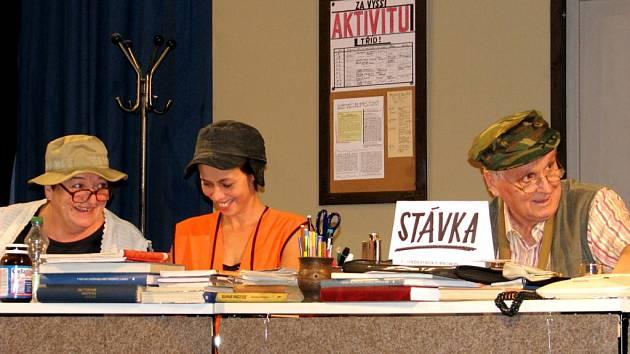 Divadelní soubor K.J.Erbena uvedl veselohru Sborovna