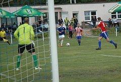 Komárovští fotbalisté úvodní zápas zvládli. V domácím prostředí porazili Kosoř po divokém vývoji 5:3.