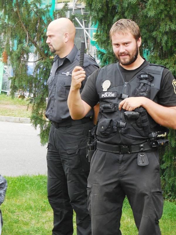 Mezinárodní den bez aut s příslušníky městské policie v Berouně.