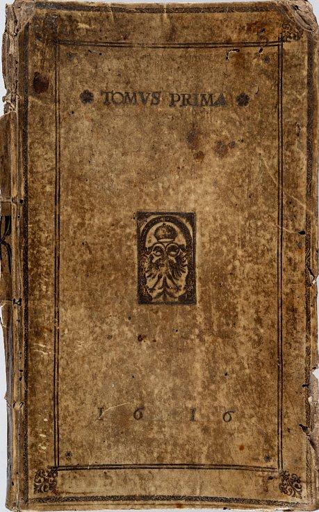 Jacob Typotius (1540 – 1601) a Anselm Boetius de Boodt (1550 – 1632): Symbola Divina & Humana Pontificum Imperatorum Regnum … Tomus Primus, kniha svazbou datovanou letopočtem 1616, vydána vPraze vroce 1601 (soukromá sbírka vČR). Foto: Stanislav Vaněk