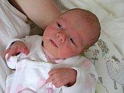JULIE Fantová z Tetína, se rozhodla přijít na svět 29. dubna 2018. Julince sestřičky na porodním sále navážily 3,06 kg a naměřily 49 cm.