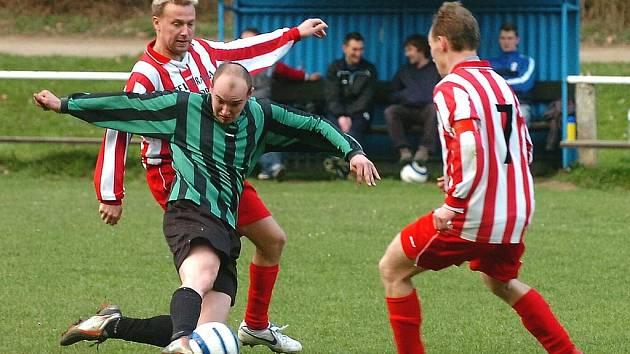 Fotbalisté Nižboru dokázali zvládnout na jaře klíčové zápasy a nakonec se v okresním přeboru zachránili.