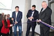 V Králově Dvoře otevřeli nový školní pavilon při Základní škole Králův Dvůr v Jungmannově ulici. Výstavba trvala 14 měsíců.