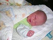 TAK UŽ JSEM na světě. Jmenuji se Marián Čech a narodil jsem se 20. srpna 2017 s váhou 3,13 kg. Maminka a tatínek pro mě připravili postýlku a hračky doma v Hořovicích.