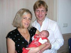 NOVOPEČENÍ rodiče Martin Šimeček a Eva Schnappelová z Drahelčic chovají v náručí malou krasobruslařku, které dali jméno Ester. Esterka prvně pohlédla na svět 26. října 2016, vážila 3,04 kg a měřila 46 cm.