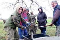 Hostomicko - výlov rybníka v Rokli
