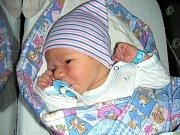 PRVNÍ miminko se narodilo 15. září 2017 manželům Martině a Matějovi Šerákovým z Prahy. Je to kluk a dostal jméno Jáchym. Jáchymovi sestřičky na porodním sále navážily 3,74 kg a naměřily 52 cm.