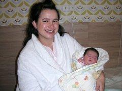 ŠŤASTNÁ maminka Kateřina Horejšová z Úhonic chová v náručí své první miminko, dcerku Kateřinu Annu Horejšovou. Kačenka se narodila 22. ledna 2017, vážila 3,78 kg a měřila 50 cm. Maminka děkuje celému personálu hořovické porodnice za skvělou péči a ochotu.