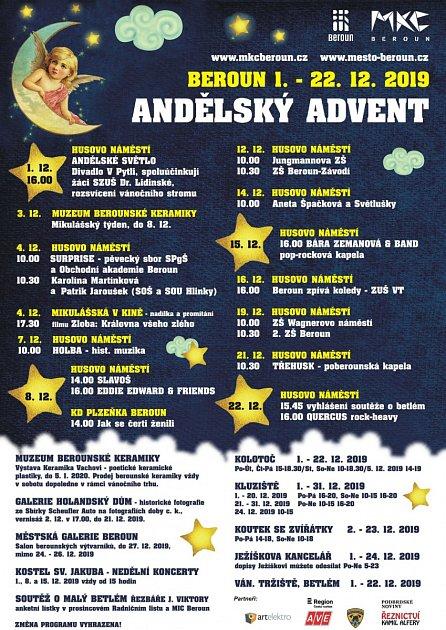 Andělský advent na Husově náměstí vBerouně.