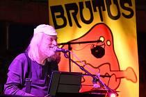Koncert kapely Brutus v pivovaru Berounský medvěd.