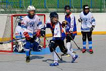 Ve Hlinkách se hrál pěkný mládežnický hokejbal.