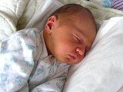 KAREL Műller, prvorozený syn rodičů z Prahy, prvně pohlédl na svět 1. března 2018. Kájovi sestřičky na porodním sále navážily 3,44 kg a naměřily rovných 50 cm.