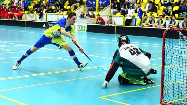 Po dvou zápasech v Králově Dvoře je stav čtvrtfinále Florbalové národní ligy západ mezi T.B.C. a Chomutovem 2:2.