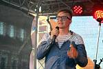 Na Městských slavnostech ve Zdicích vystoupil jako hlavní hvězda akce Petr Kotvald.