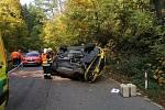 Nehoda Mustangu u Dolních Břežan 13. října 2019.