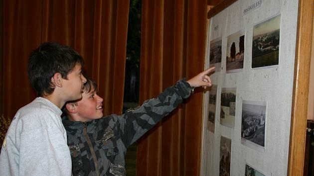 Výstavu si ve čtvrtek s nadšením prohlédli i žáci hořovické základní školy.