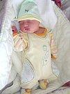 VELKOU radost má šestiletá Adélka ze Zdic, které rodiče Lucie Hamaričová a Karel Krákora pořídili 8. května 2017 sestřičku Ellu. Ellinka Krákorová vážila po porodu 3,38 kg a měřila 48 cm.