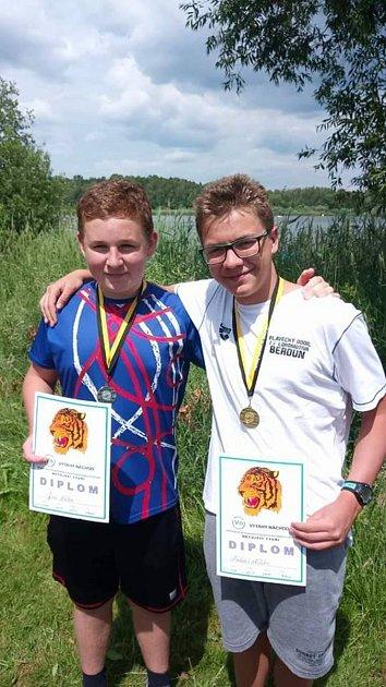 Dálkovým plavcům Lokomotivy Beroun se vprobíhající sezoně velmi daří. Důkazem je několik získaných medailí.