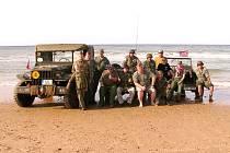 ZÁSTUPCI Army muzea se se ctí zúčastnili několika vzpomínkových akcí pořádaných v Normandii francouzskou vládou.