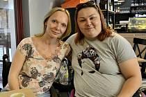 Michaela Hrachovcová (vlevo) se svojí peerkou Lucií Holubcovou.