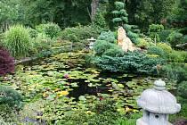 Manželé Číhalovi věnovali své zahradě spoustu času i lásky. Její návštěva je balzámem na duši.