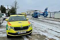 Vrtulník transportoval zraněného dělníka z Nučic do motolské nemocnice.