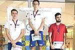 Dva úspěšní borci Lokomotivy Beroun, na prvním místě Tomáš Míka, na druhém David Ludvík.