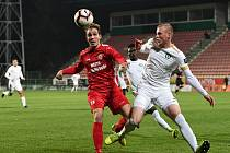 Cábelíci (v červeném) zdolali rezervu Příbrami na hlavním stadionu.