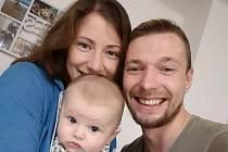 Fotbalista Tomáš Šebek s rodinou.