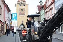 U Plzeňské brány v Berouně vyrostla nová pěší zóna