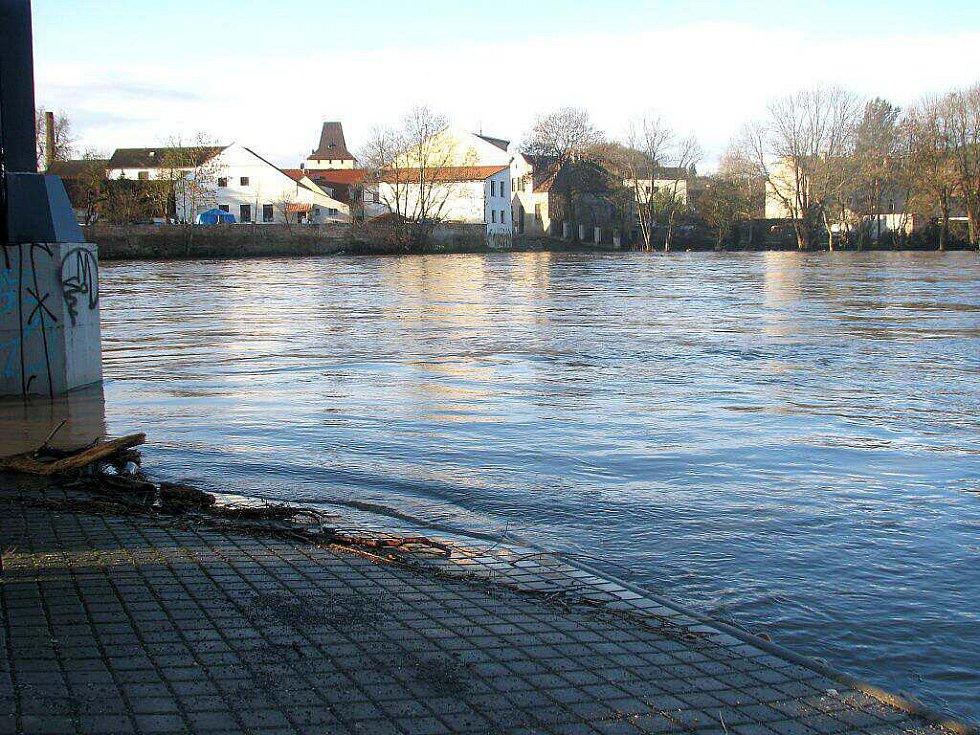 Berounka dosáhla třetího povodňového stupně