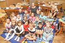 Prvňáčci ze Základní školy v Loděnici.