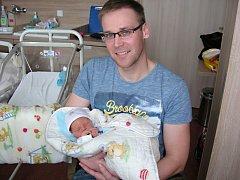 MATYÁŠ Hlavín se narodil 15. května 2016 v 13.13 hodin, vážil 3,69 kg a měřil 49 cm. Matyášek bude slavit narozeniny spolu s bratrancem Pavlíkem, který oslavil 15. května 7. narozeniny. Rodiče si prvorozeného chlapečka odvezli domů do Prahy.