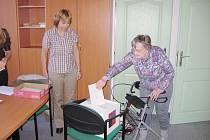 Důchodci z Hořovic se voleb zůčastnili v hojném počtu