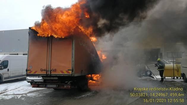 Požár nákladního auta v Chrášťanech.