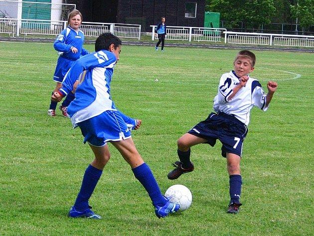 Český Lev Beroun v semifinále deklasoval Neratovice vysoko 5:0. Ve finále pak Berounští  uspěli v penaltovém rozstřelu.