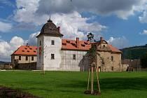 Během pěti let město vrátilo zámku jeho dřívější krásu.