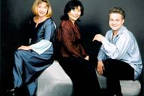 KUBELÍKOVO TRIO.  Zleva Kvita Bilynská, Shizuka Ishikawa a Karel Fiala.