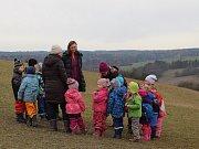 Lesní mateřská škola Studánka v Trubské: příroda poskytuje jedinečné možnosti k formování dětské osobnosti.