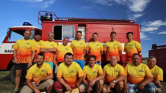 Dobrovolní hasiči z Radouše.