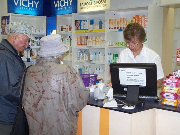 V lékárnách jsou vakcíny proti žloutence nedostatkové zboží.