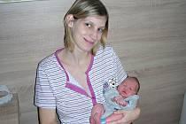 MAXMILIÁN Plicka, tak se jmenuji a na svět jsem přišel 13. prosince 2017. Moje porodní míry byly 48 cm a 3,46 kg. Rodiče si mě odvezli z porodnice domů do Sedlčan.