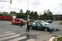 Po srážce aut se svíjelo dítě na vozovce